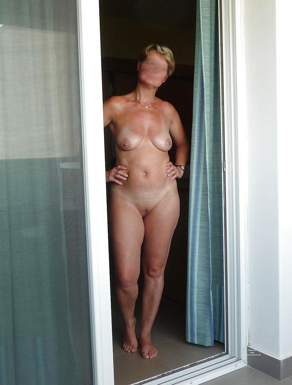 Wieder mit Polizei-Einsatz: Frau nackt aus Sauna geworfen