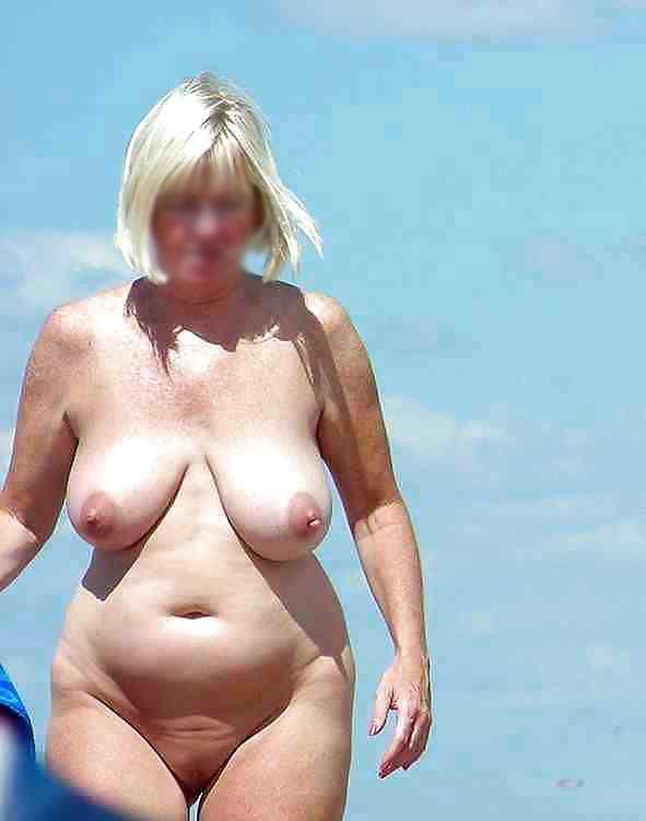 Bilder nackt strand frauen reife am Kostenloses nackte