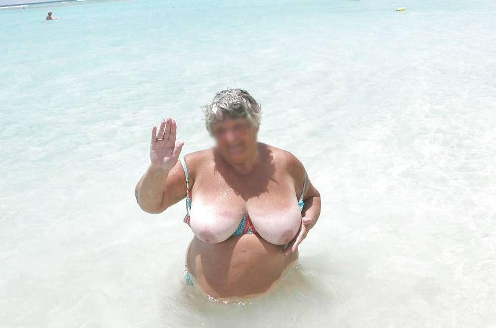 Strand omas nackt am Nackt Omas