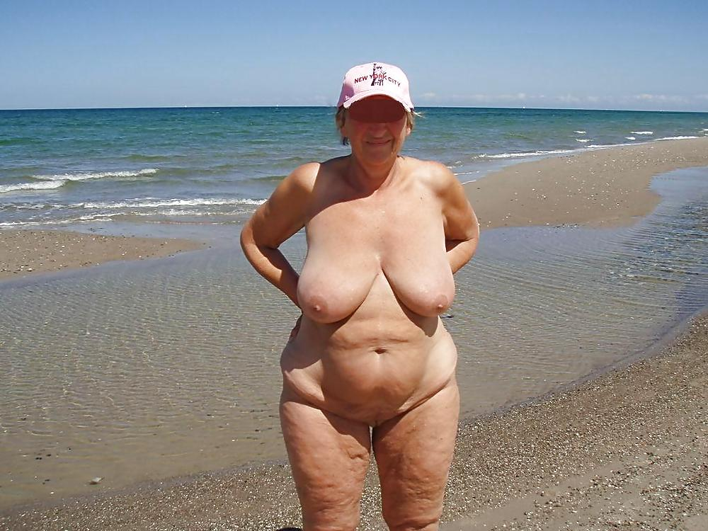 Oma Sex Am Strand