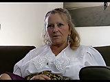 64 jährige Isabel
