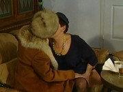 Lesbische Damen mit Strapons