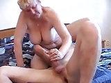 Sexspiele im Bett
