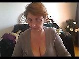 Alte Hängetitten vor der Webcam