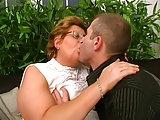 Reife BBW mit Brille hat geilen Sex