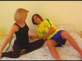 Russische Elena und der Fußball Fan