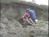 Strandsex mit einer alten Frau