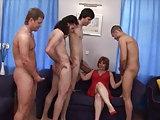 Vier Jungs auf einmal