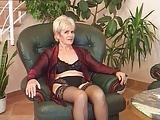 Alte Damen brauchen viele Männer