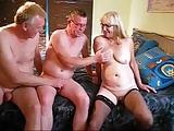 Bisexuelle Swinger filmen ihren Sex
