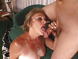 Dicke Oma Kathy Jones liebt Sperma