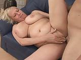 Ein prachtvolles Weib mit dicken Titten