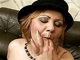 Ein Ständer für die Lady mit Hut
