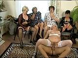 Ein Stripper zu Oma's Geburtstag