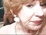 Oma will alle 4 Schwänze haben