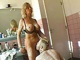 Quickie im Bad mit einer super sexy Blondine