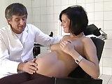 Schwangere Lady vom Arzt gebumst