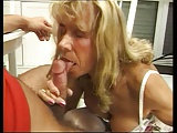 Seine Schwiegermutter hilft gerne