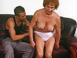 74 jährige Großmutter ist geil