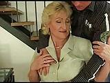 Blonde Alte mit dicken Dingern