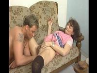 Feuchte Putzfrau macht Fickpause