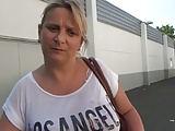 Französische Frau abgeschleppt