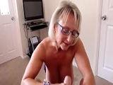 Handjob mit Tittenbesamung