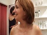 Kunde macht mit seiner Friseurin einen Porno