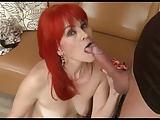 Lady mit feuerroten Haaren