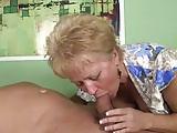 Oma braucht ihre Medizin