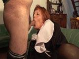 Opa bumst eine Nonne