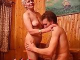 Wodka und eine blonde Frau