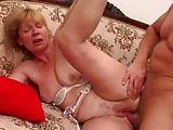 Zierliche Dreiloch-Oma