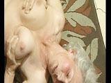 Zwischen Oma's alte Titten gewichst