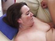 Beim Arschfick wird Oma laut