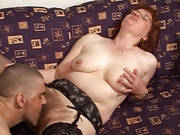 Straps-Lady mit geiler Behaarung