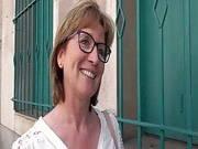 Französische Lehrerin lässt sich abschleppen